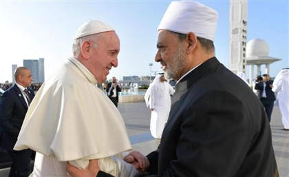 Al-Azhar's Grand Imam Discusses World Peace with Pope Francis at the Vatican