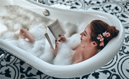 Our Ultimate Guide to the Bubbly Art of Bathscaping