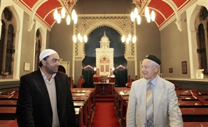 Jews & Muslims in Xmas Miracle