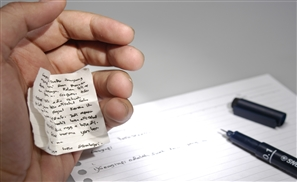 VIDEO: University Professor Leaks Exam in Exchange for Bribe