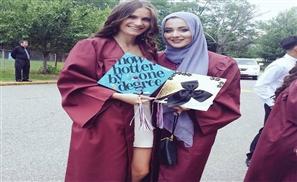 Muslim-American Hijabi Teen Wins Best Dressed in High School