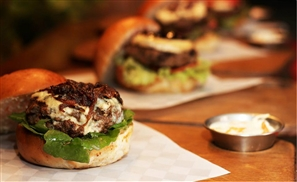 7 Awesome Things About Battle of The Burgers