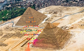VIDEO: Skydiving Over The Pyramids