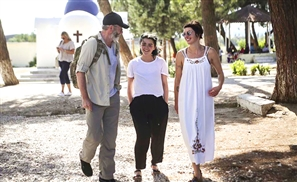"""Game of Thrones Stars Visit Greece's Refugee Camps: """"They Are Just Like You and Me"""""""