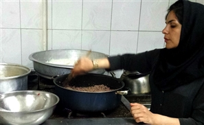 Saudi Man Threatens Divorce If His Wife Doesn't Learn to Cook