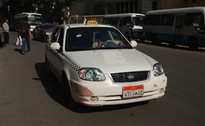 Governor of Cairo Approves a Raise in the White Taxi Tariff