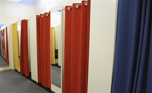 Kuwait to Deport Egyptian Man Caught Peeping Into Ladies Fitting Room